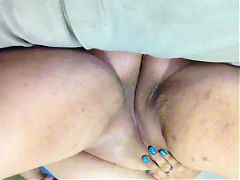 Sexy BBW With Nice Cameltoe Cums Hard