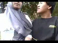 Indonesia Cewek Jilbab Ciuman Sama Pacar