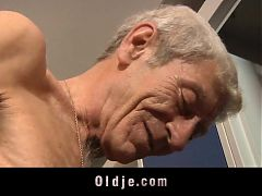 Young Girl Is So Kinky That Fucks An Wizened 76 Old Man